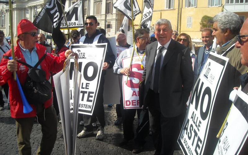 Ricci e la delegazione Itb a Piazza Navona