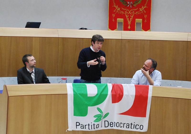 Gianluca Pompei, Pippo Civati e Giovanni Gaspari nell'iniziativa del Pd in sala consiliare, venerdì pomeriggio