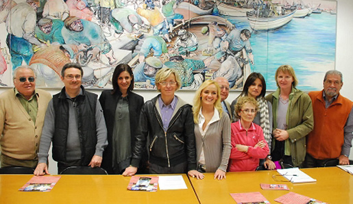L'Assessore Margherita Sorge con Tamara Aureli (a destra) e alcuni artisti