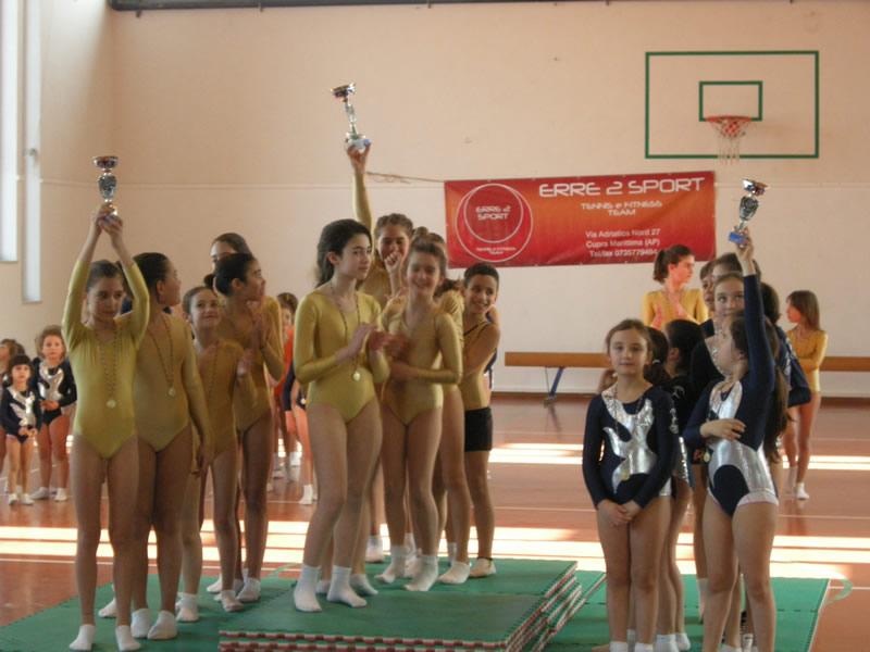 Le prime tre squadre che si sono classificate al Torneo Ginnastica Artistica Cupra Marittima