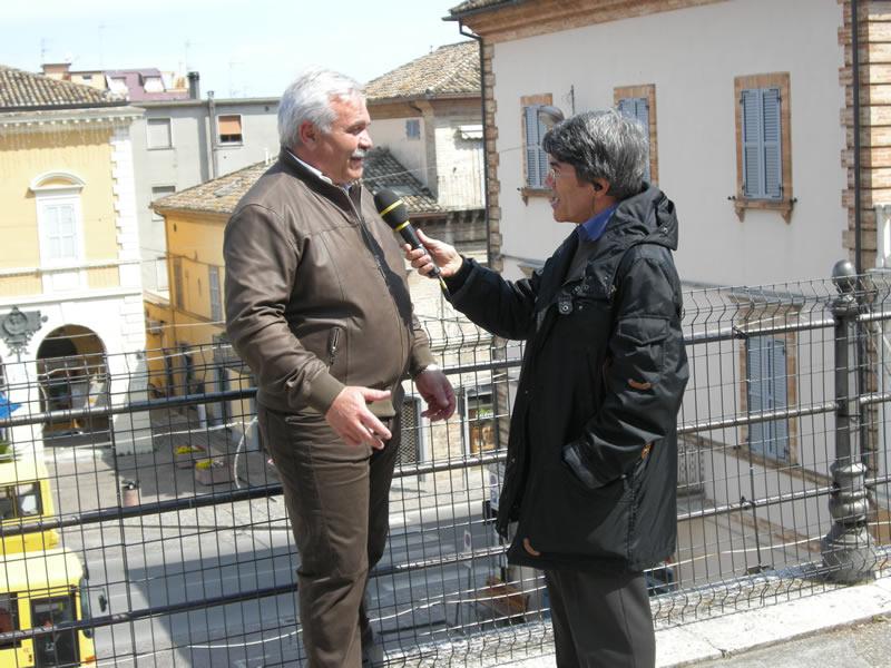 Il sindaco Domenico D'Annibali a Tg itinerante
