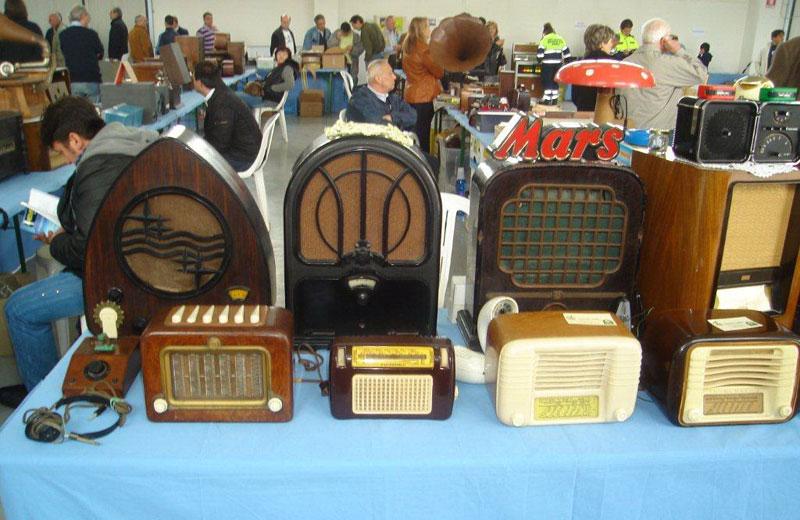 Mostra di radio d'epoca a Nereto
