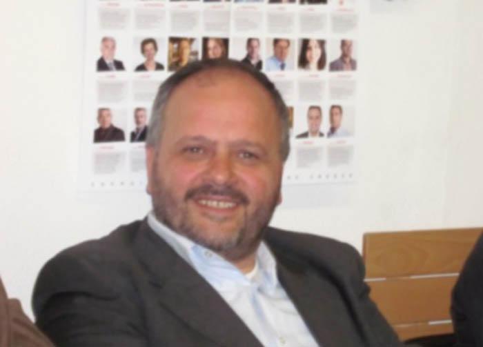 Giovanni Gaspari nella sede del Pd il 16 maggio, durante lo spoglio delle schede