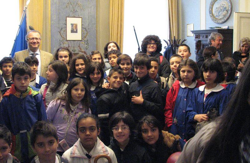 Gli alunni della scuola elementare di Corropoli in visita alla Provincia di Teramo