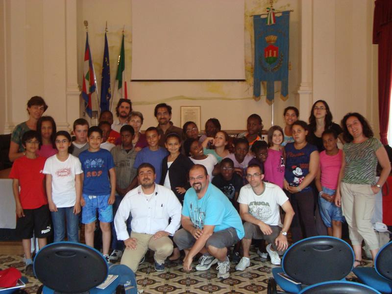 Bambini francesi da Massy insieme ad Andrea Mora e Luciano Bruni
