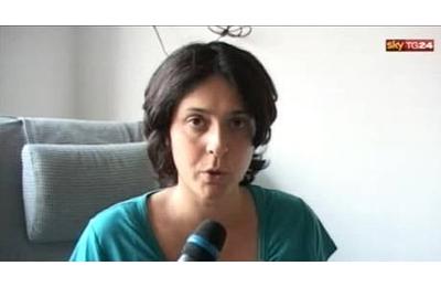 Chiara Sciarrini, madre la piccola Elena, in un'immagine presa dalla tv (foto Ansa)