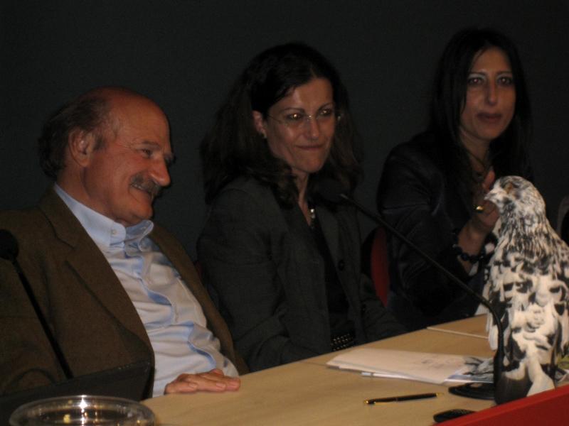 Federico Fazzuoli, Cecilia Mugnai, Barbara Zambuchini e il colombo di un allevatore