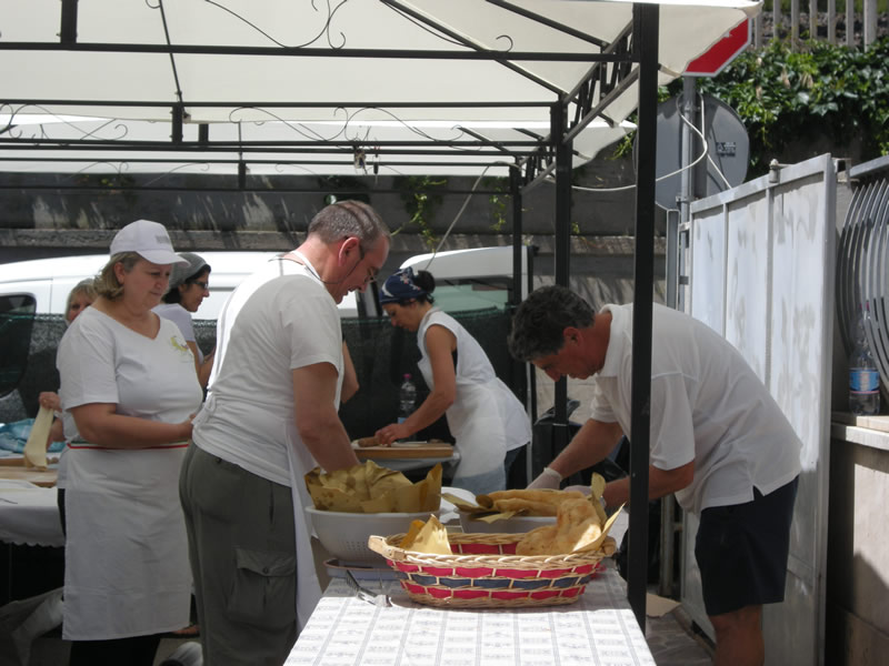 Cupra Marittima, Fiera di Maggio 2011, stand della Pro Loco