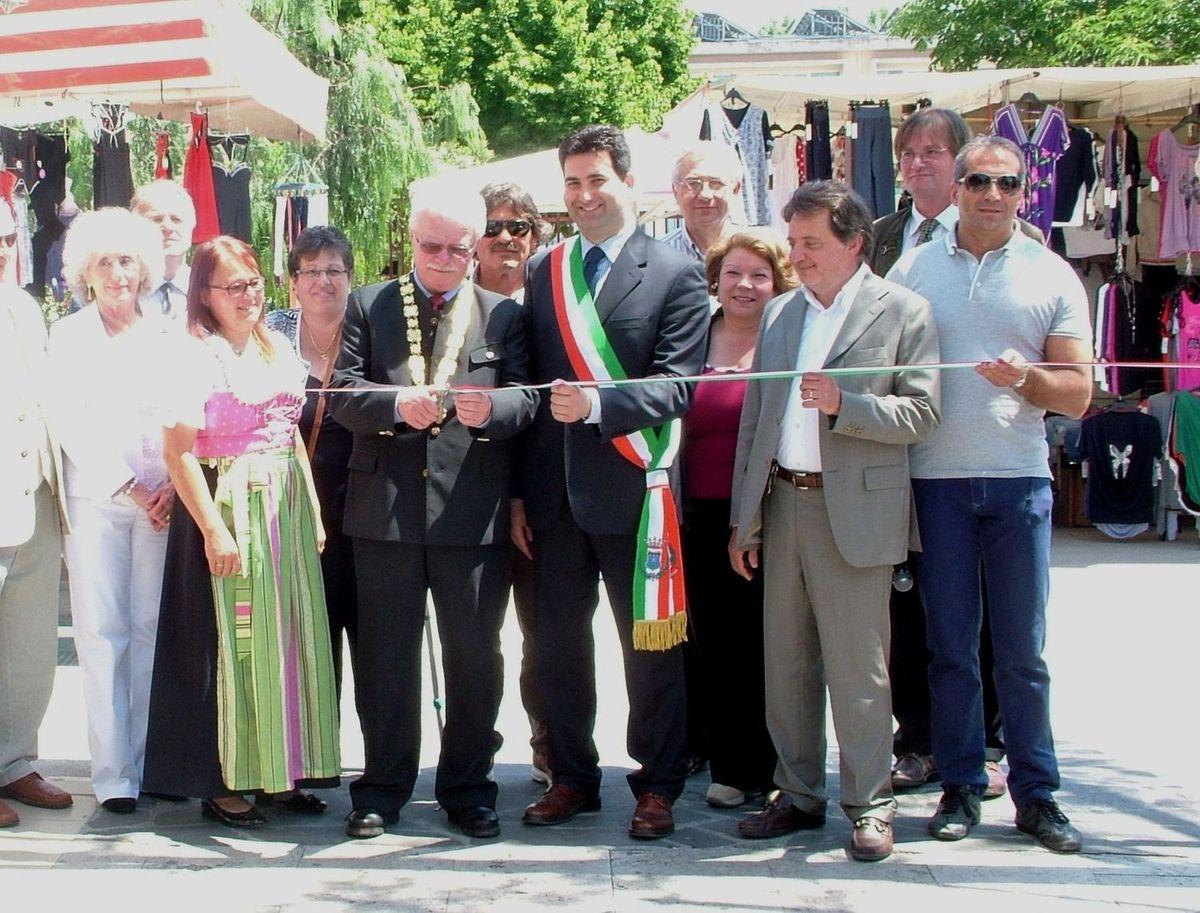 L'inaugurazione della fiera con la presenza dei sindaci Stracci e Nagl