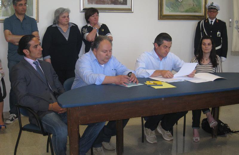 Il gruppo di opposizione Insieme per Colonnella: Colonnelli, Iustini, Di Stanislao, Cecchini