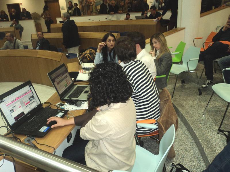 Lo staff di Riviera Oggi durante la diretta Web e Web Tv
