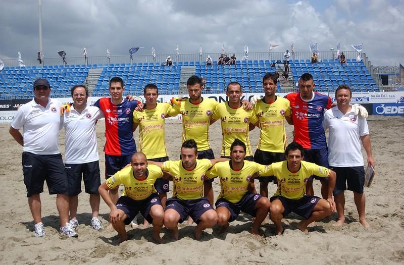 La Samb Beach Soccer impegnata contro il Viareggio (foto Troiani)