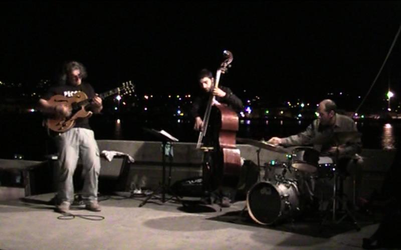 Giacinto Cistola Trio nella serata Jazz di Scultura Viva al molo sud di San Benedetto