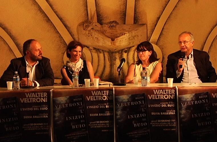 Giovanni Gaspari, Silvia Ballestra, Roberta Peci e Walter Veltroni nella presentazione del suo libro