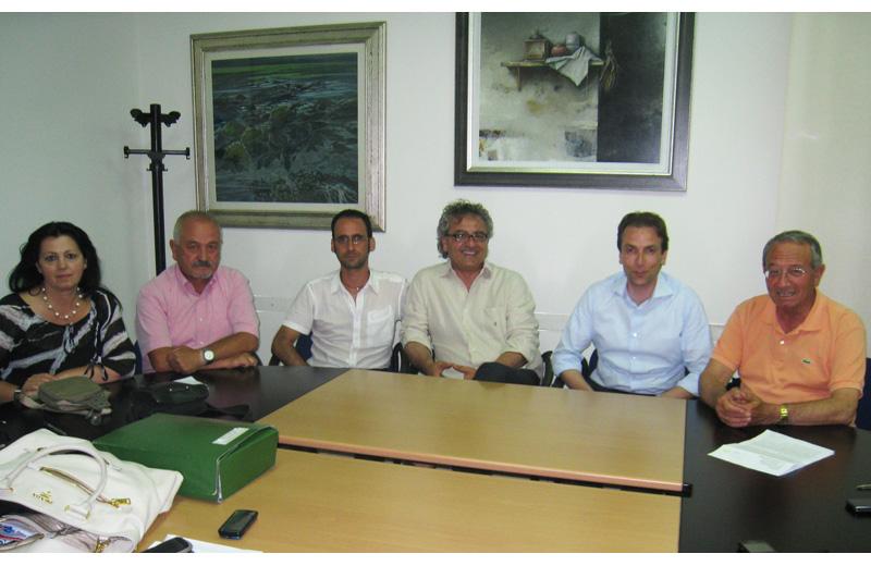 L'assessore al Turismo Patrizia Ciufegni, Franco Consorti, Massimo Clementoni, Armando Tribuiani, Massimo Vagnoni e il sindaco Di Salvatore