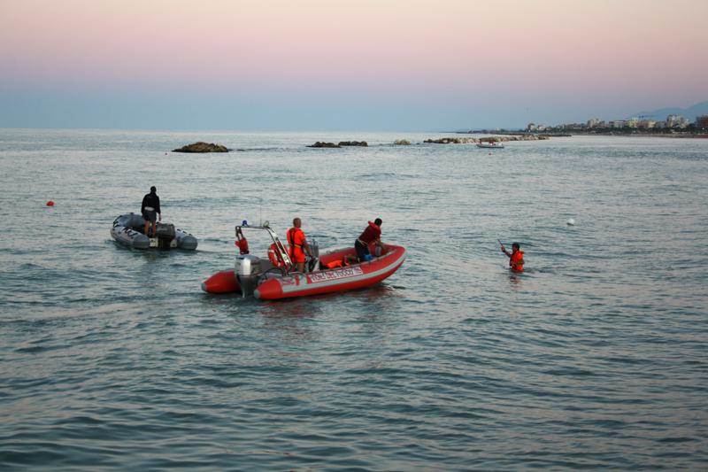 Domenica pomeriggio, Guardia Costiera e Vigili del Fuoco alla ricerca della povera Antonella Ferri