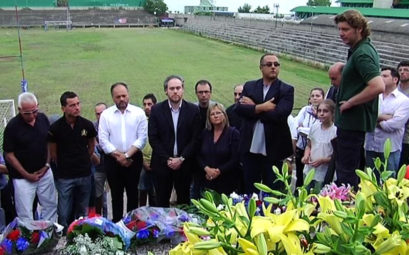 Il presidente del Comitato Ballarin, Roberto Brancaccio emozionato nel ricordo delle vittime del rogo nel 1981