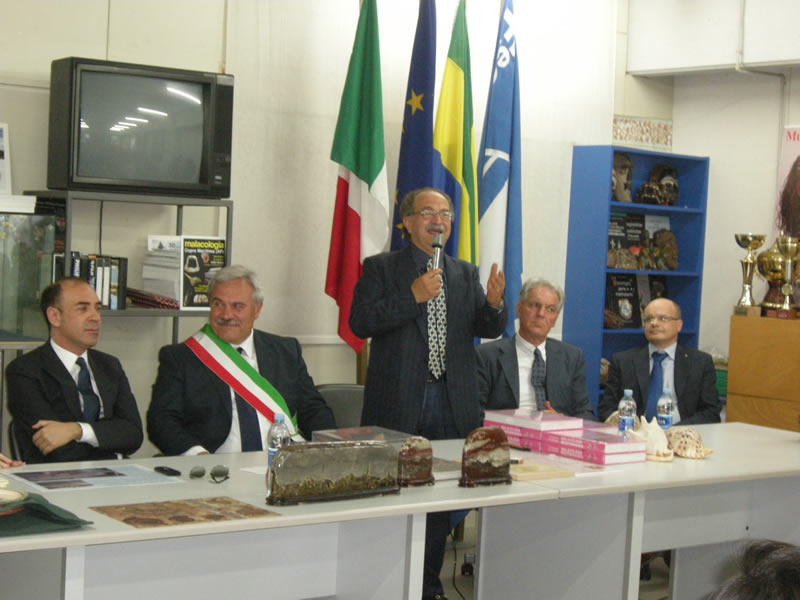 Tiziano Cossignani all'inaugurazione della mostra del 4 giugno 2011