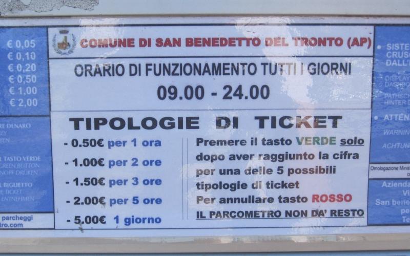 Parchimetro sul Lungomare Trieste