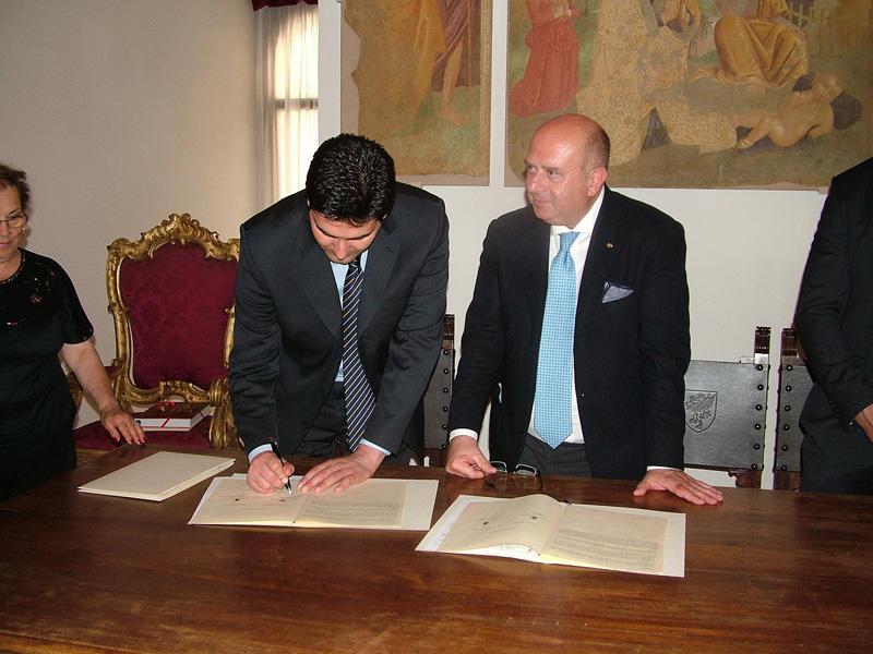 Stefano Stracci e Giuseppe Lomurno firmano il protocollo d'intesa