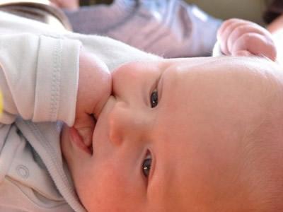 Un bebè