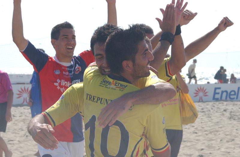Samb Beach Soccer, Bruno Novo nella trionfale tappa di Viareggio (foto Troiani)