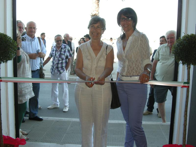 Annamaria Cerolini e Carla Vicerè tagliano il nastro al Premio Cupra 2011