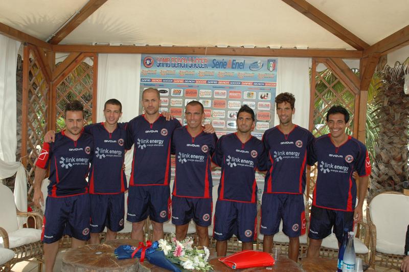 Alcuni giocatori della Samb Beach Soccer 2011 (foto Troiani)