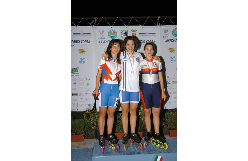 Campionati italiani di Pattinaggio all'Agraria, le gemelle D'Annibale sul podio (foto Troiani)