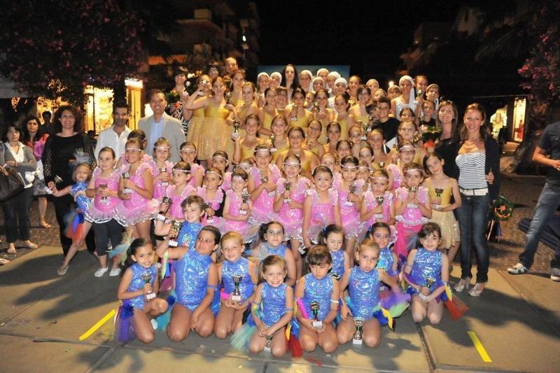 Gruppo danzatrici e insegnanti dell'Ads Ginnastica Mamoti