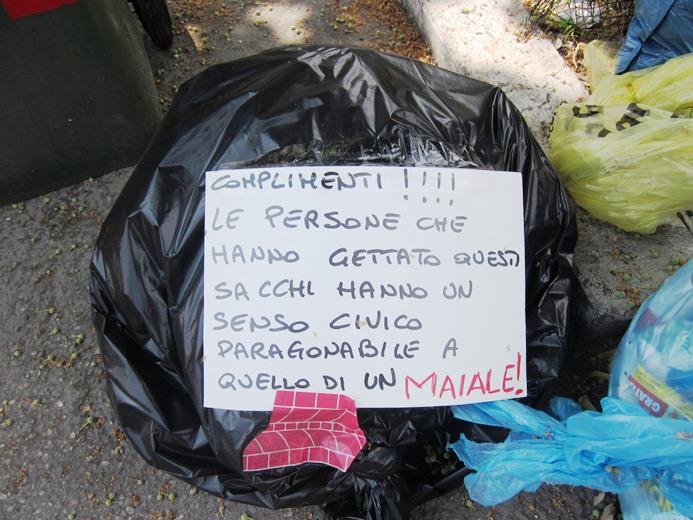 Foto scattata in Via Michelangelo giovedì trenta giugno 2011