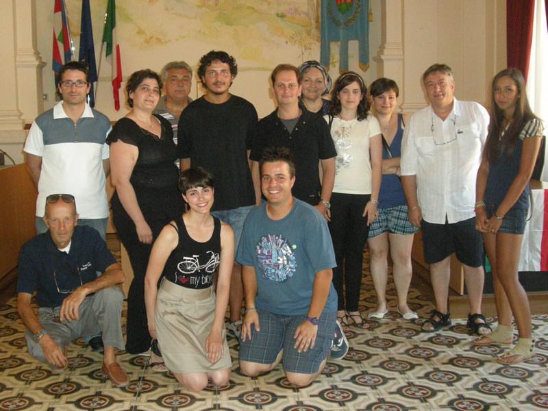 Il cast e gli organizzatori della seconda edizione de