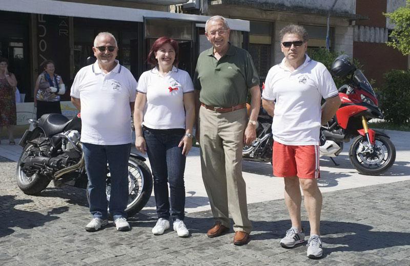 Gli organizzatori del motoraduno con il sindaco Di Salvatore