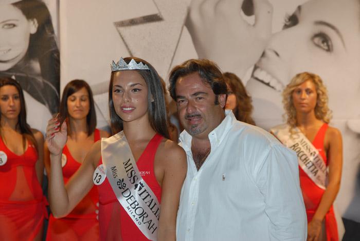 la corona di Miss è spettata alla numero 13 Carlotta Maggiorana premiata da Valerio Rosa (foto Troiani)