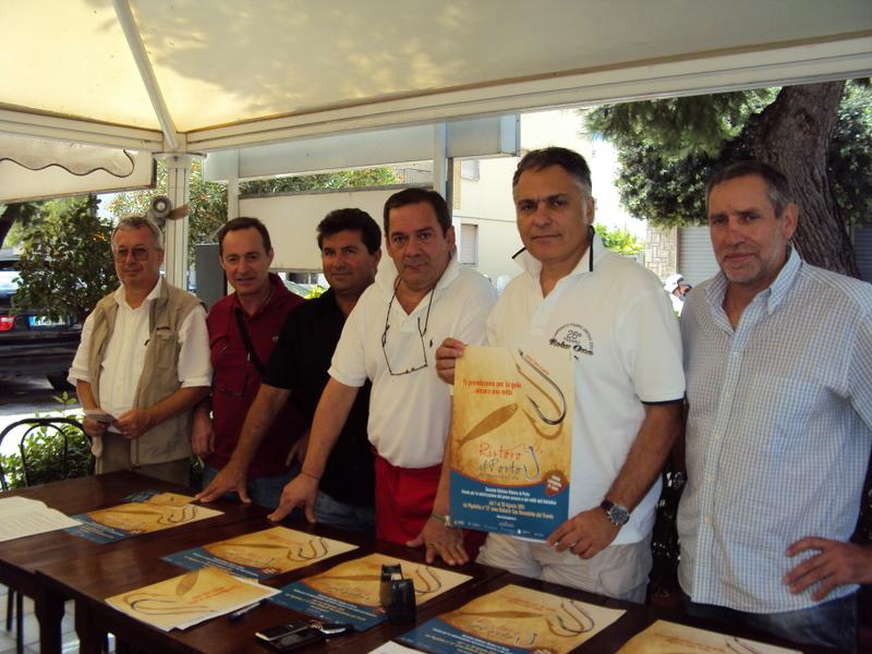La cooperativa di pescatori Blu Service e lo chef Mario De Berardinis de