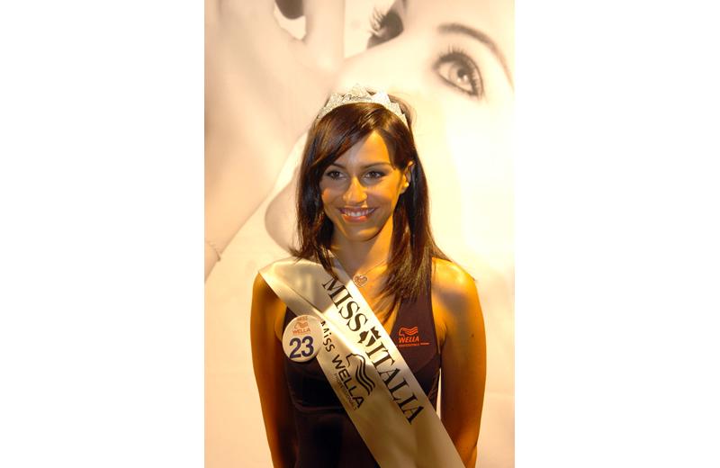 (foto Troiani) Vincitrice della corona e della fascia Miss Wella la numero 23 Francesca Scattolini