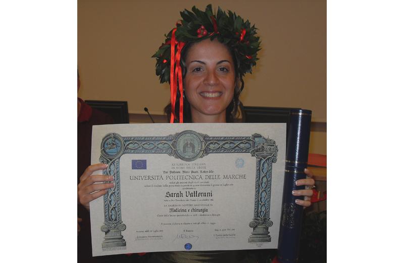 Sarah Vallorani con il diploma di laurea magistrale
