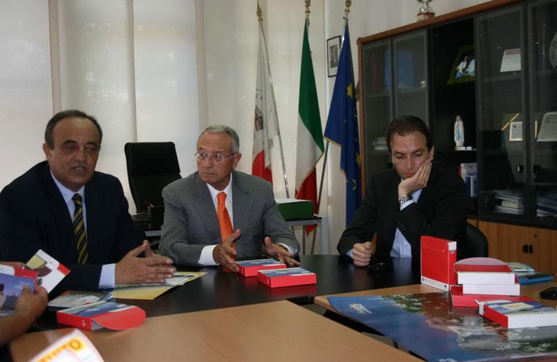 Un momento della conferenza di Martinsicuro
