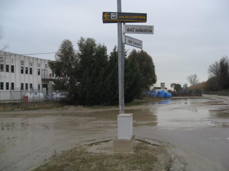 La zona industriale di Centobuchi allagata (foto marzo 2011)