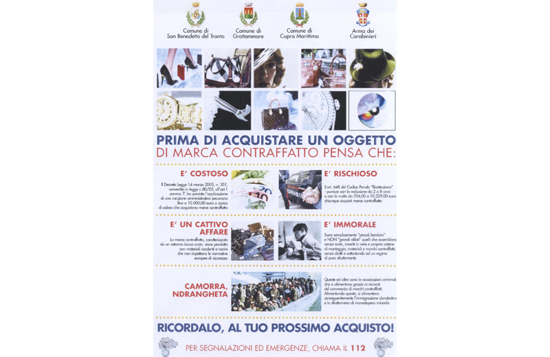 Il volantino dei Carabinieri per scoraggiare l'acquisto di merce dagli ambulanti abusivi