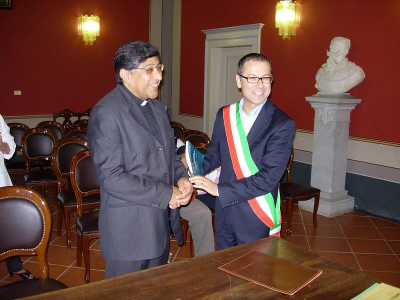 Don Luis e il sindaco Paolo d'Erasmo