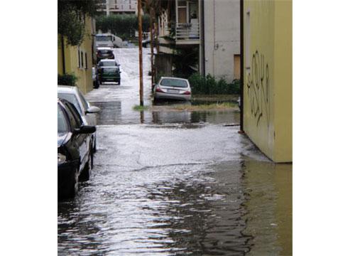 Allagamenti Via Nazzareno Strampelli luglio 2011.