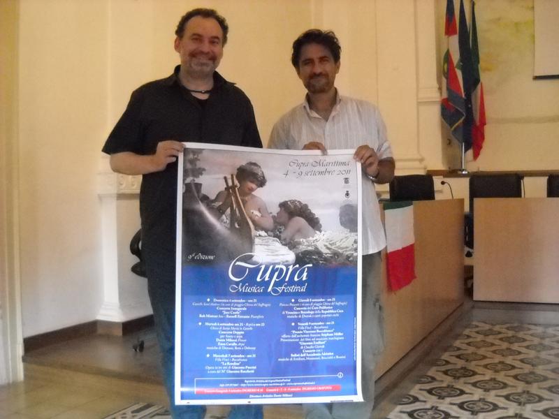 La presentazione del Cupra Musica Festival 2011: Dante Milozzi e l'assessore Luciano Bruni