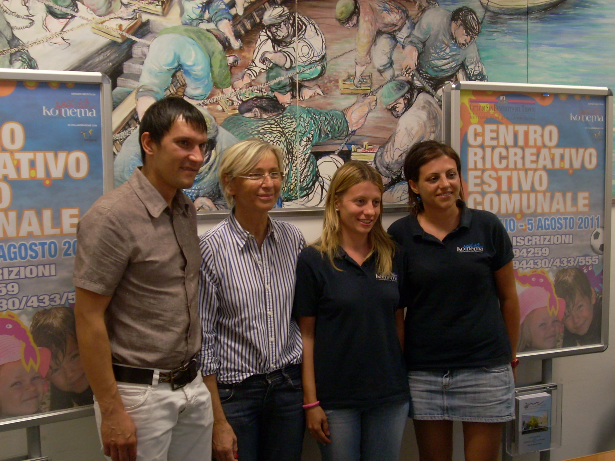 Margherita Sorge con gli organizzatori del Centro Estivo