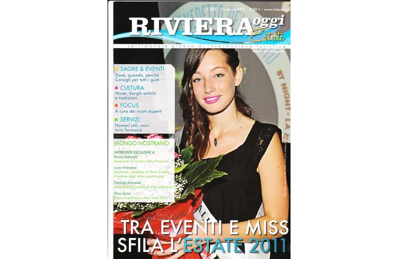 La copertina di Riviera Oggi Estate numero 883 con la splendida Elisa Spina: tutti gli eventi dal 13 al 19 agosto in una pratica e godibile rivista