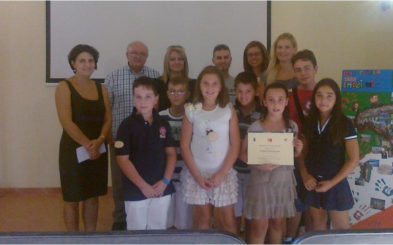 Montefiore: Bambini della quarta classe durante la premiazione del concorso