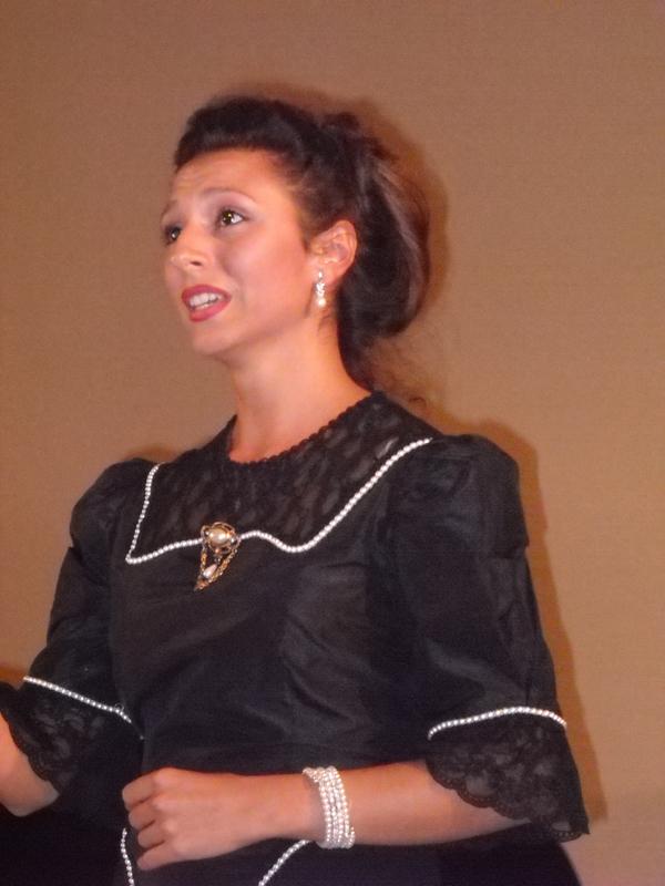 Antonella Pelilli (soprano)