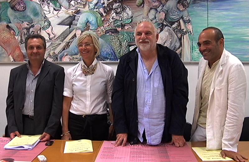 Luigi Contisciani, Margerita Sorge, Gino Troli e Gilberto Santini durante la presentazione della nuova stagione teatrale