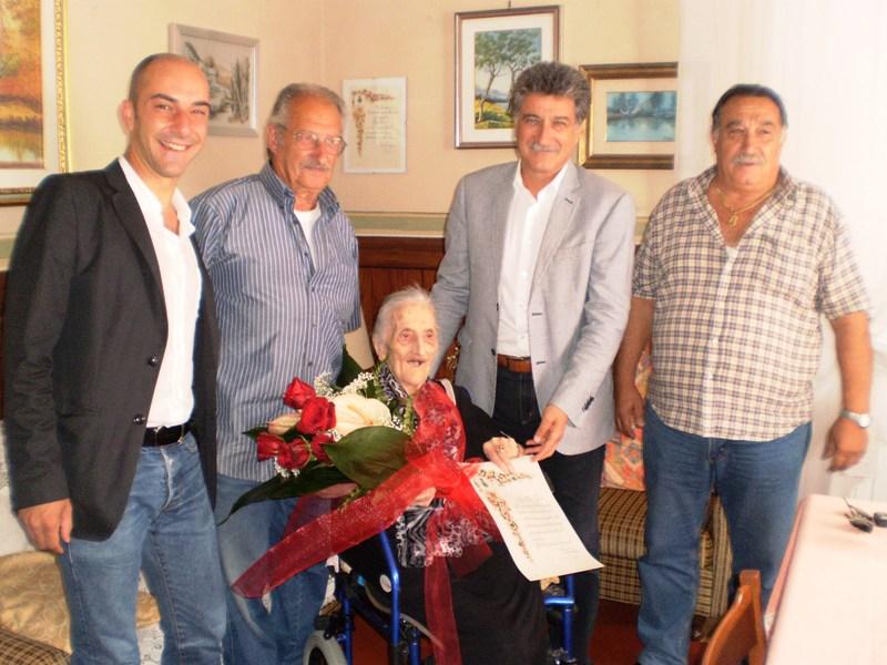 OlgaTosi con il sindaco Merli e l'assessore Mariani