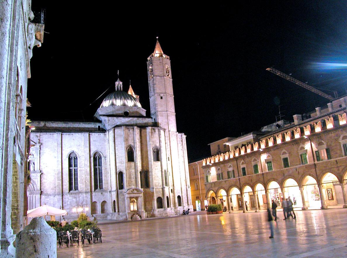 Cercasi commerciale per Ascoli Piceno